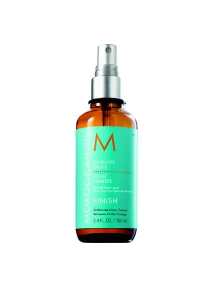 pour l'effet sirène dans les cheveux : Glimmer Shine, Moroccanoil, 25,90 €