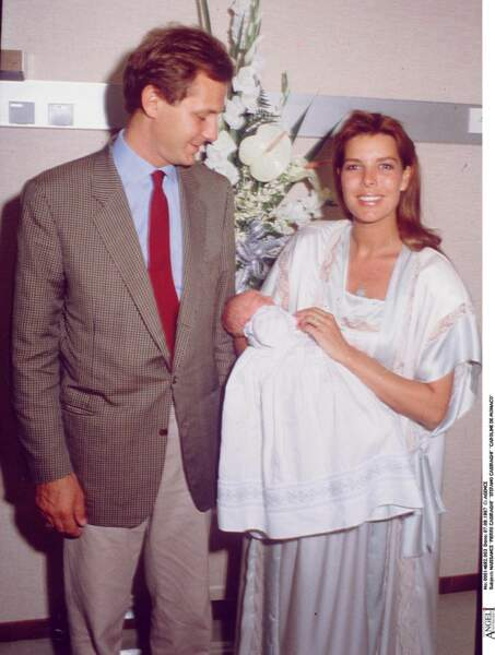 Stefano Casiraghi et Caroline de Monaco, lors de la naissance de leur fils Pierre en 1987