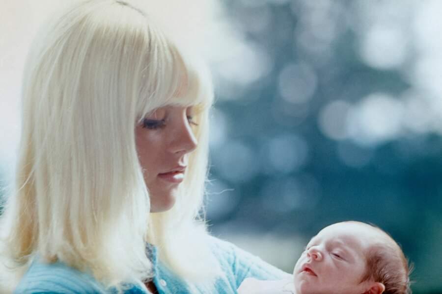 Sylvain Vartan et David Hallyday, à sa naissance en 1966