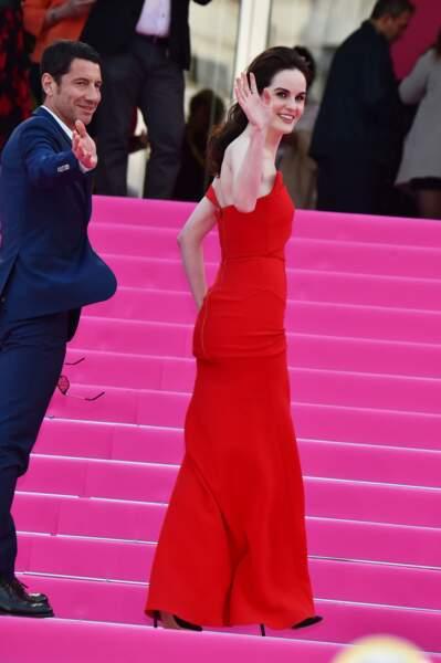 Michelle Dockery acclamée par la foule du festival Canneséries