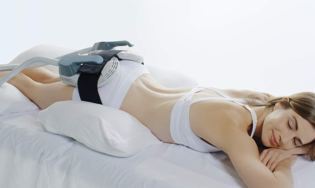 Le soin coup de pouce : EMSculpt, la machine bluffante qui  remodele le corps testée par Nabilla avant sa grossesse