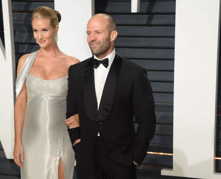 Rosie Huntington-Whiteley, compagne de Jason Statham, enceinte et rayonnante à la soirée des Oscars