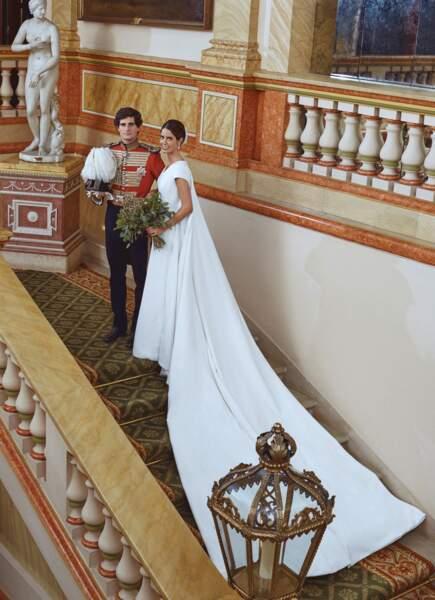 Le duc et la duchesse de Huèscar prennent la pose au palais de Liria pour leur mariage.