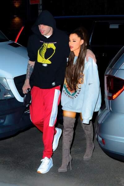 Ariana Grande en longues cuissardes à talons le 13 juillet 2018