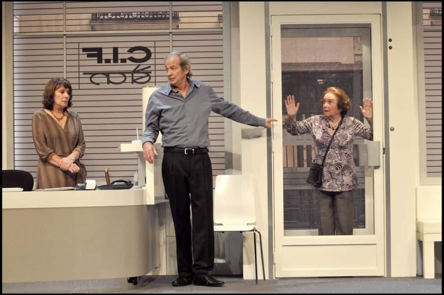 """Josiane Stoléru en 2009 au côté de son mari dans la pièce """"Cochons d'Inde"""" au théâtre Hebertot de Paris"""