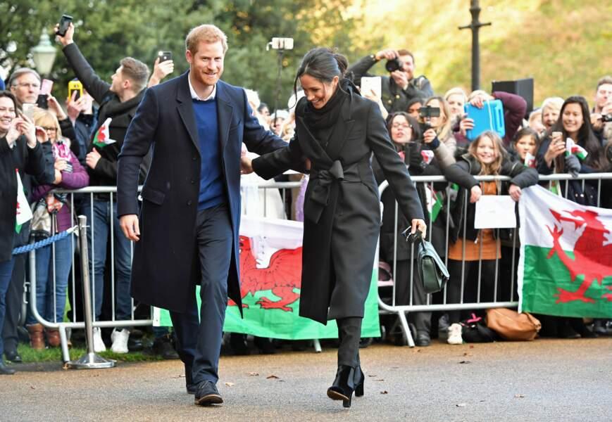 Le prince Harry et Meghan Markle visitent le château de Cardiff
