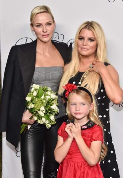 La princesse Charlene de Monaco avec Jessica Simpson et sa fille Maxwell à la soirée Princess Grace Awards au Param