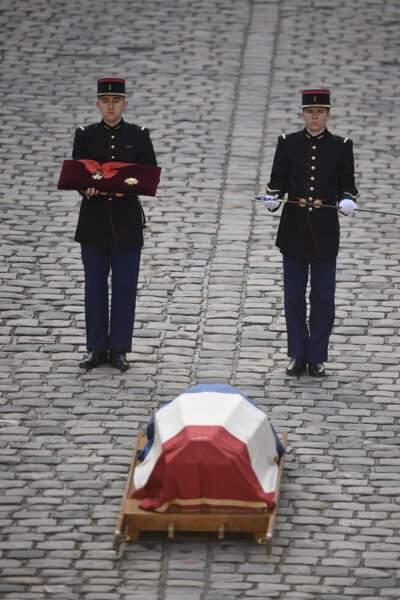 Le cercueil de l'académicien Jean d'Ormesson, lors de la cérémonie d'hommage national aux Invalides, le 8 décembre