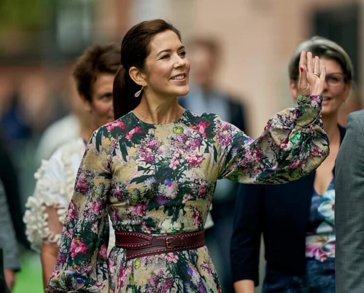Mary de Danemark, celle dont s'inspire Kate Middleton se rend au festival des fleurs