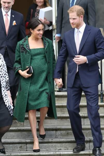 Meghan Markle est apparue tout sourire aux côtés du prince Harry ce lundi 11 mars, à Londres