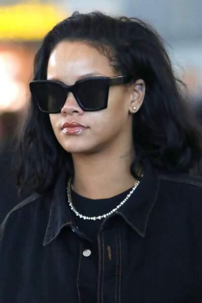 """Rihanna  très stylée avec son """"lob"""", la coupe du moment"""