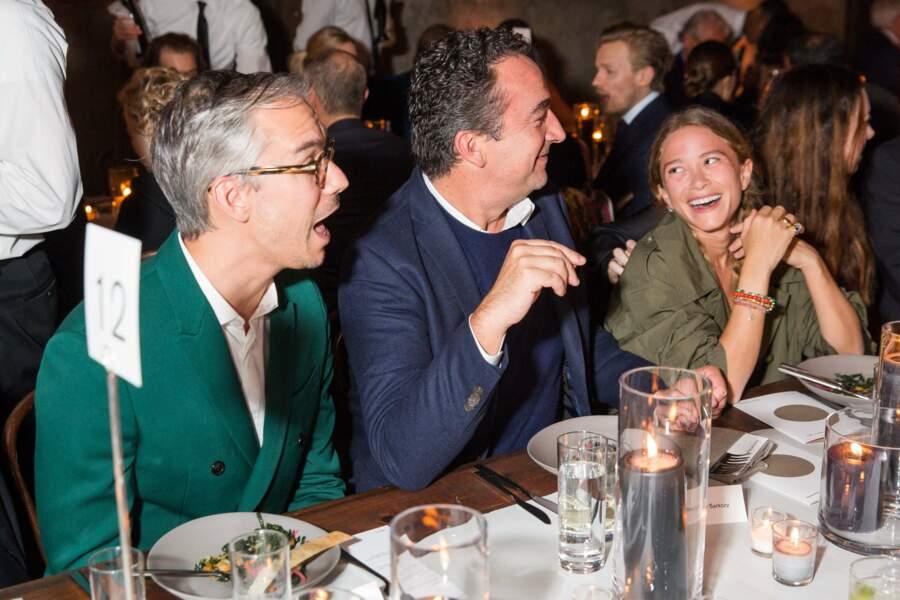Mary Kate Olsen et Olivier Sarkozy, déjà très amoureux lors d'une soirée caritative le 5 novembre 2017