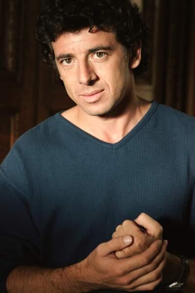 """Patrick Bruel sur le tournage du film """"Les Folies de Margaret"""" en 1998"""