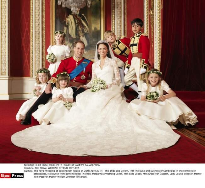 La photo officielle du mariage du Prince William et de Kate Middleton (en robe Alexander McQueen) en 2011