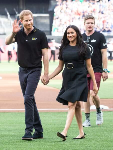 Meghan Markle était ravissante en petite robe noire, au bras du prince Harry