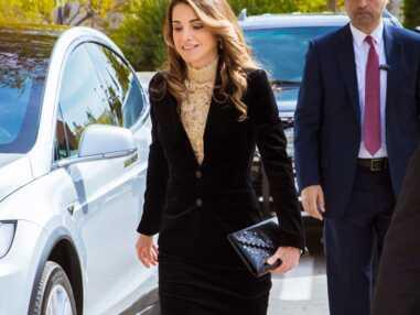 Rania de Jordanie dans sa tenue lacée