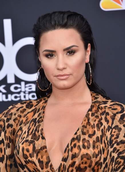 """L'effet """"wet hair"""" sauvage de Demi Lovato"""