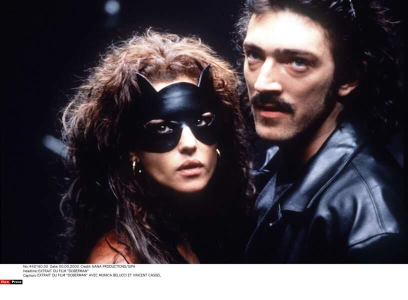 Monica Bellucci et Vincent Cassel dans Dobermann en 1997