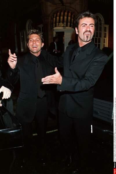 1999: en couple depuis 3 ans, George et Kenny Goss, marchand d'art texan, ne se cachent plus.