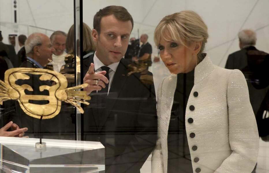 Brigitte Macron et son époux étaient à l'inauguration d'un musée à Abu Dhabi.