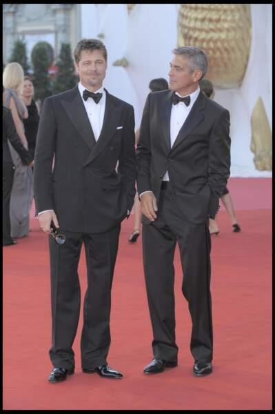 """Brad Pitt et George Clooney à la première de """"Burn After Reading"""" au festival de Venise en 2008"""
