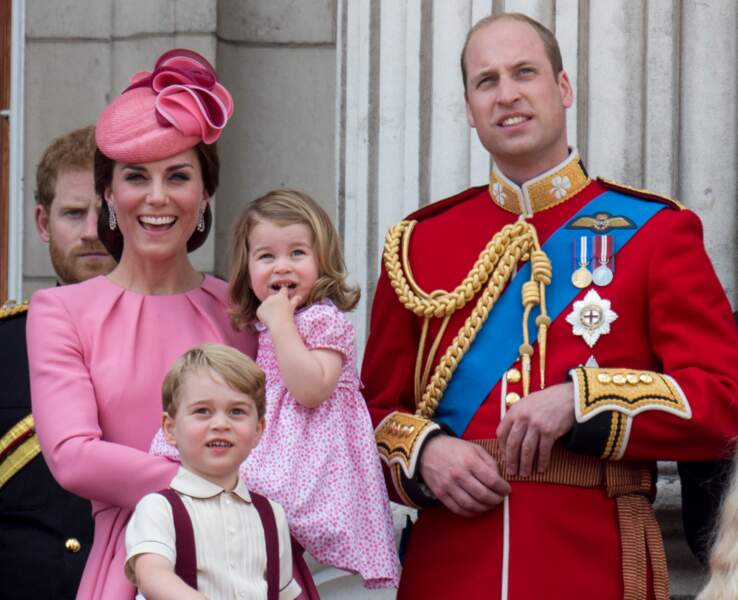 "Kate, George, Charlotte et William lors de la cérémonie ""Trooping the Colour"" le 17 juin 2017"