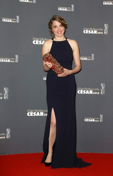 """Adèle Haenel en robe fendue Lanvin, César de la meilleure actrice en 2015 pour """"Les Combattants"""""""