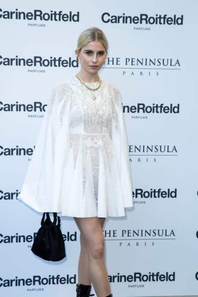 L'influenceuse Caroline Daur en robe courte était aussi présente