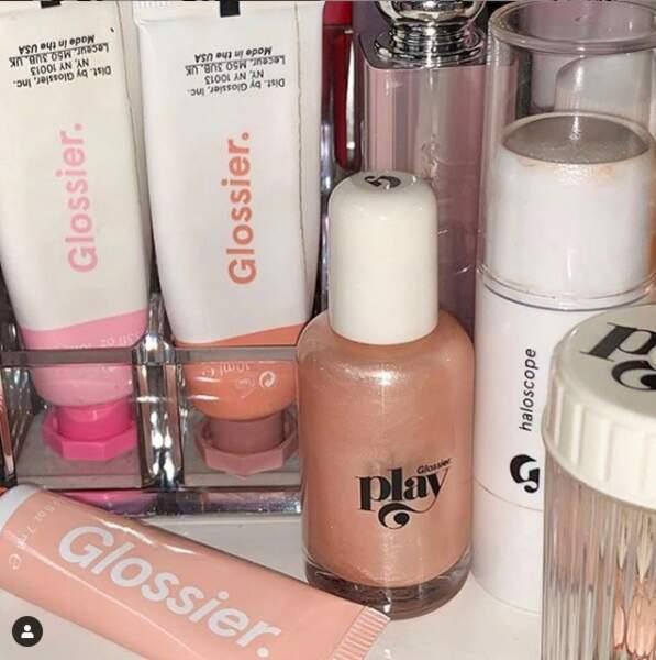 Glossier, la marque lancée par la blogueuse Emily Weiss, d'Into the Gloss,pionnier de la beauté sur instagram
