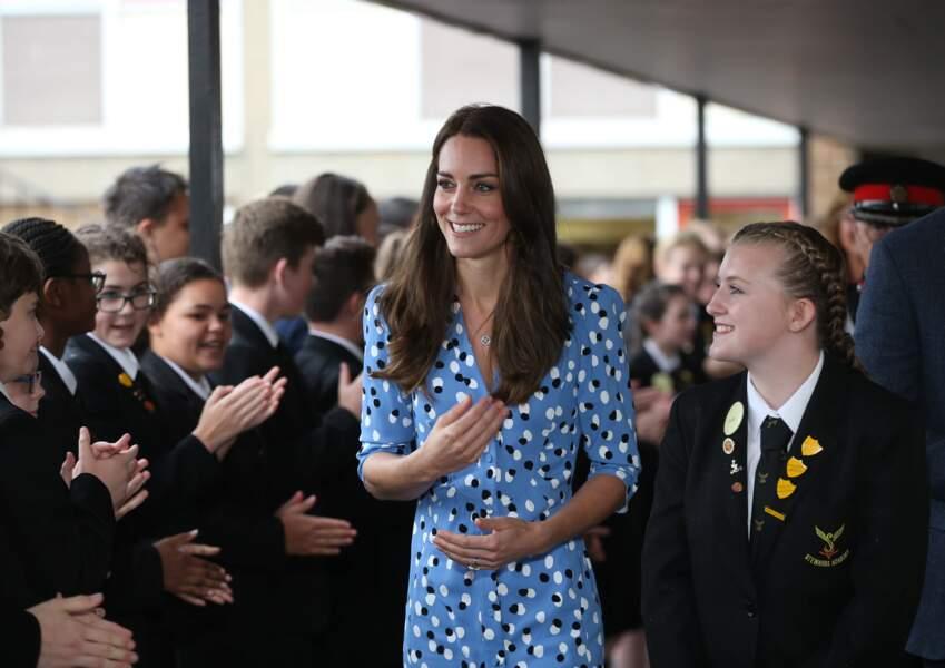 Kate Middleton, en robe à pois Altuzarra, visite l''académie Stewards à Harlow le 16 september 2016