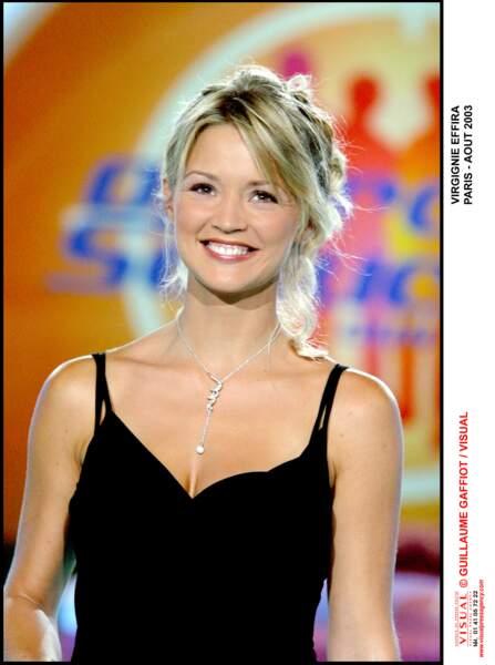 """Virginie Efira sur le plateau de l'émission """"Opération Séduction"""", en 2003"""