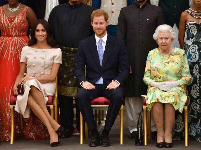 """Meghan Markle à la cérémonie """"Queen's Young Leaders Awards"""" au palais de Buckingham à Londres le 26 juin 2018"""