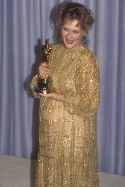 Meryl Streep, sublime enceinte dans cette robe Christian Leigh lors des Oscars en 1983