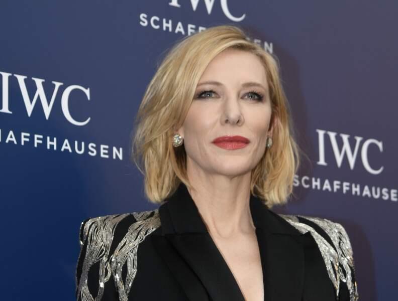 A bientôt 50 ans, Cate Blanchett manie à la perfection les codes du glamour. Et ça passe aussi par son rouge