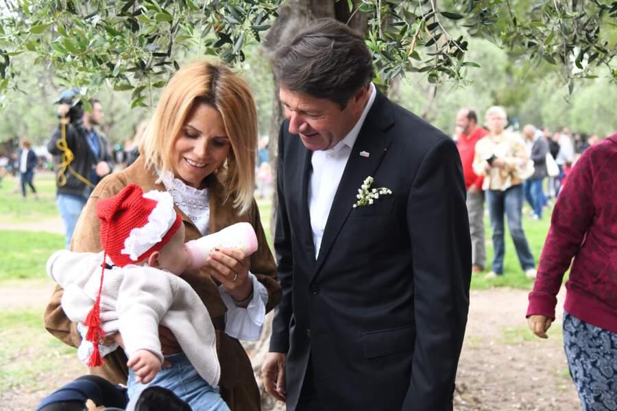 Christian Estrosi, le maire de Nice, et sa femme Laura Tenoudji avec leur fille Bianca
