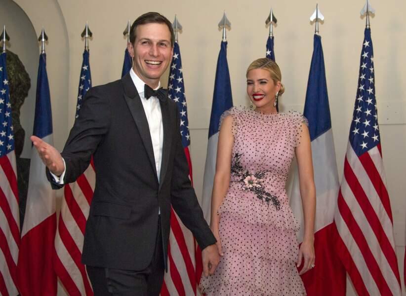 Ivanka Trump en robe Rodarte aux côtés de son mari Jared Kushner