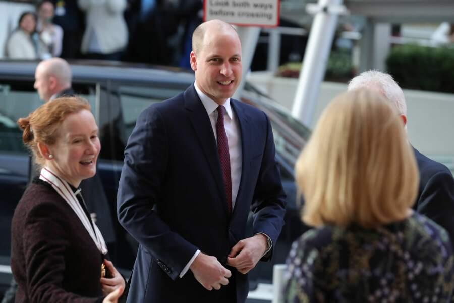 avec le crane rasé, le prince William assume son nouveau look