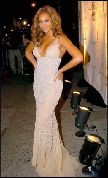 Beyoncé entretient sa ligne avec des cures liquides à base de tisanes et bouillons