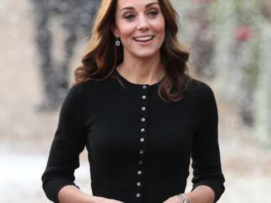 PHOTOS - Kate Middleton souriante en jupe écossaise pour la fête de Noël