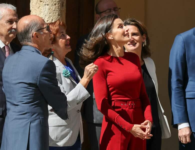 Letizia d'Espagne était ravissante en total look rouge Hugo Boss