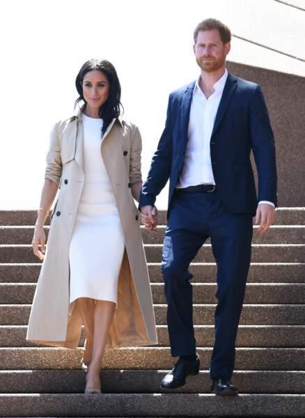 Le prince Harry et Meghan Markle, enceinte, de sortie devant l'Opéra de Sydney, le 16 octobre 2018