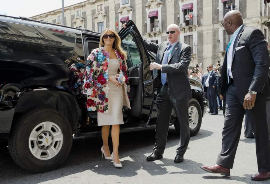 Melania Trump et son manteau Dolce & Gabbana lors du G7 en Italie, le 26 mai 2017