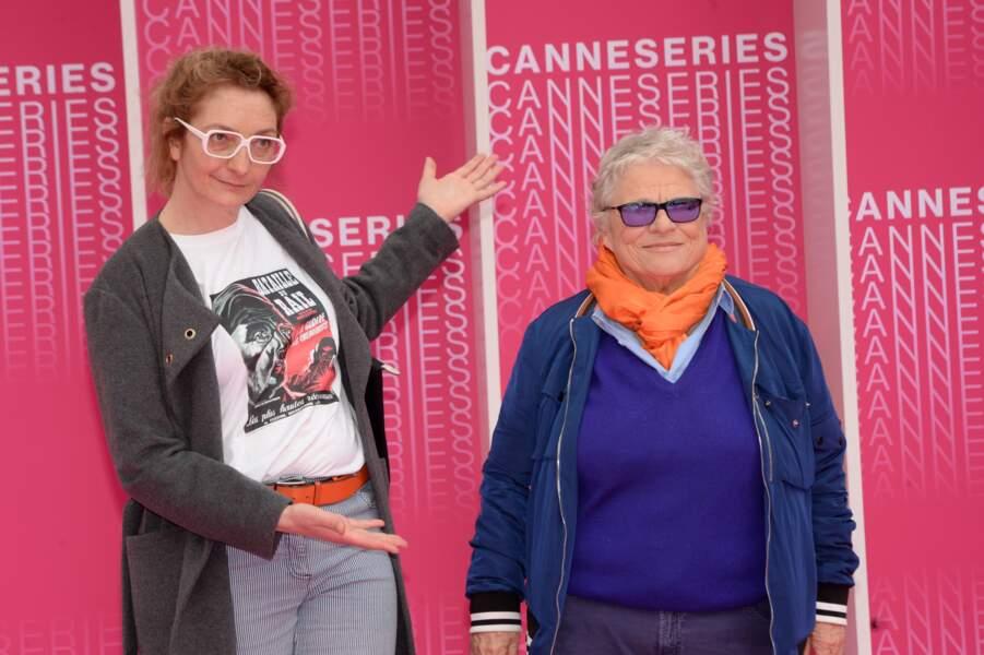 """Corinne Masiero et la réalisatrice Josée Dayan lors du festival """"Canneseries"""" à Cannes, le 9 avril 2018"""