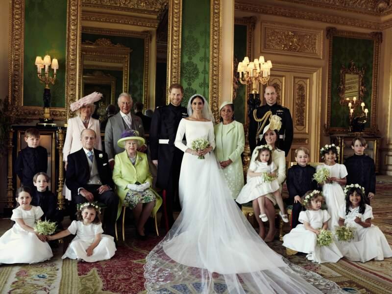 Le prince Charles pose pour la photo officielle du mariage d'Harry et Meghan Markle, le 19 mai 2018 à Windsor