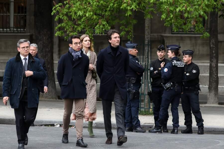 Natalia Vodianova et son compagnon Antoine Arnault avaient le visage fermé ce mardi 16 avril