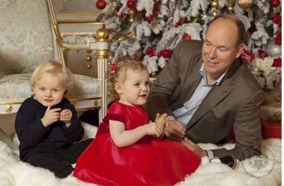 Le prince Albert et ses deux petits princes Jacques et Gabriella, 2 ans depuis le 10 décembre