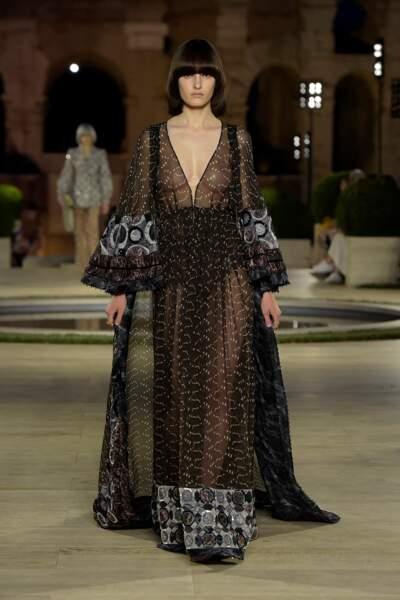 Ce défilé Haute Couture Fendi était le premier sans Karl Lagerfeld. Des tenues oniriques signées Silvia Fendi !