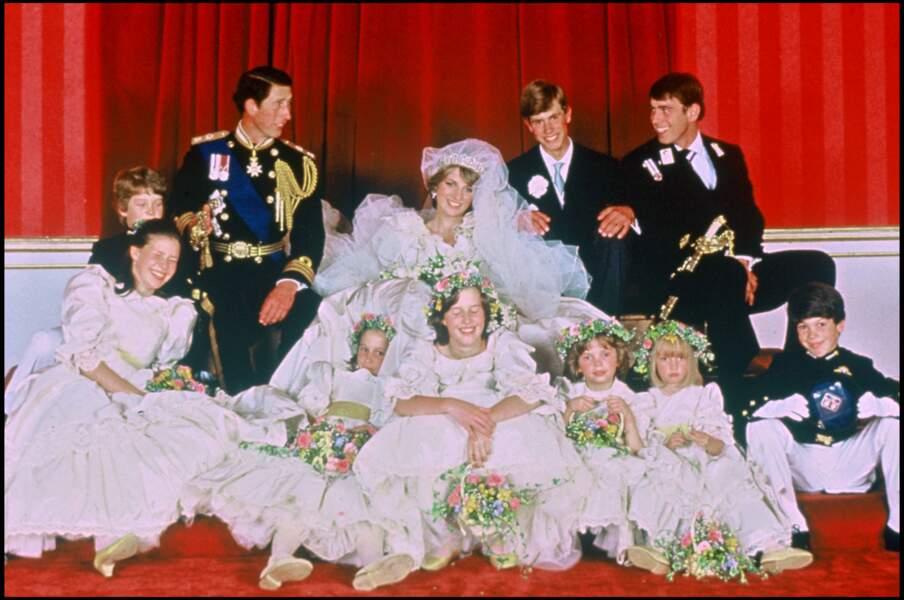 Charles (avec ses frères Andrew et Edouard), lors de son mariage avec Lady Diana le 29 juillet 1981
