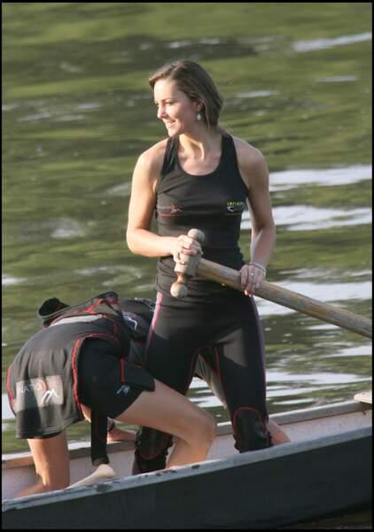 Kate Middleton s'entraîne à l'aviron sur la Tamise pour le challenge Cross Channel, le 1er aout 2007