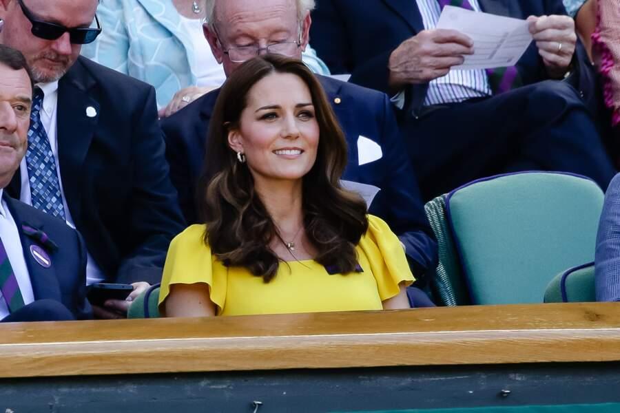 Kate Middleton en robe jaune, une couleur qui lui va bien au teint